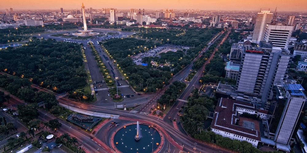 Thamrin通りの北端アルジュナ・ウィジャヤ像(Patung Arjuna Wijaya)前ロータリー