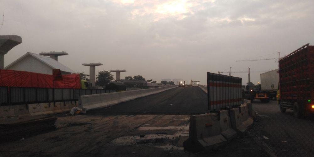 高架化工事の影響による渋滞