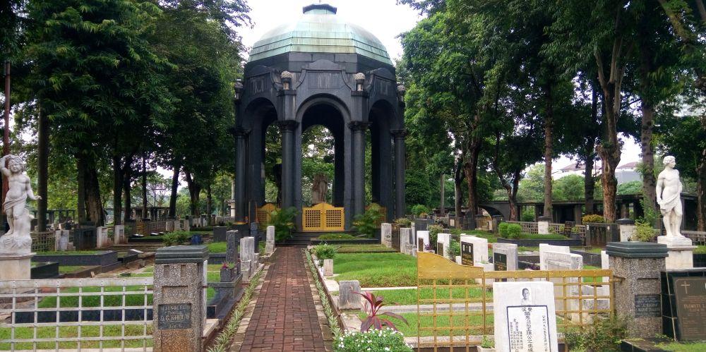 中華系移民プラナカンの子孫Oen Giok Khouwのお墓