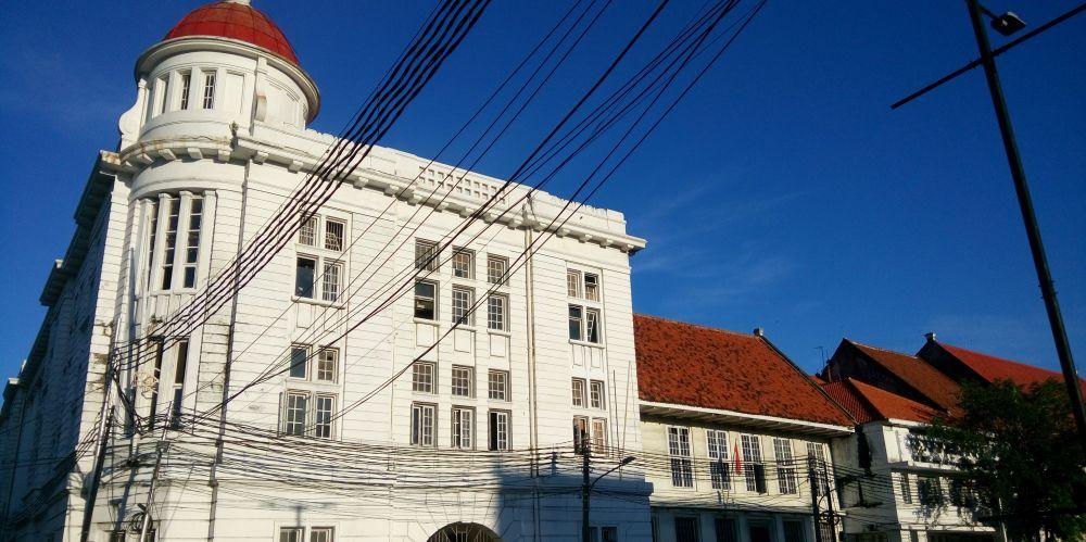 西カリブサール通り(Kali Besar Barat)