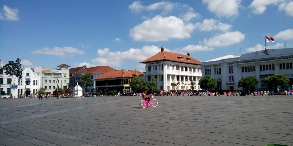 コタトゥアのファタヒラ広場(Taman Fatahillah)周辺にはオランダ統治時代の歴史的建造物が多く残っている。