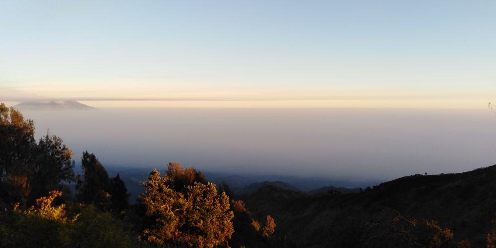 ブロモ山方面